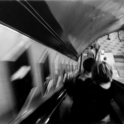 """London 2005. Passo di giorno in giorno come di stazione in stazione, nel treno del mio corpo, o del mio destino. Da """"Il libro dell'inquietudine"""" - Fernando Pessoa"""