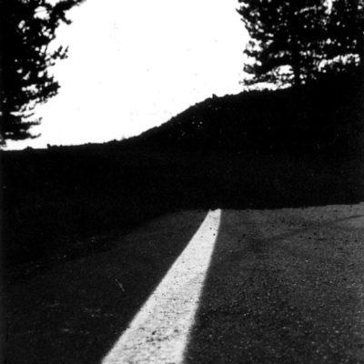 """Linguaglossa 2003. Tu che sei in viaggio, non sei su una strada, la strada la fai tu facendo. Da """"Logica matematica"""" - Antonio Machado."""